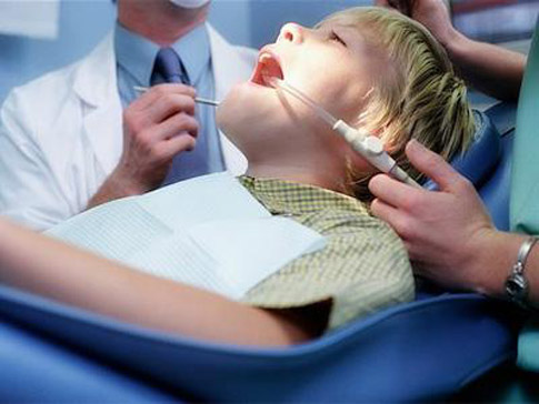 Nhổ răng khôn cho trẻ em