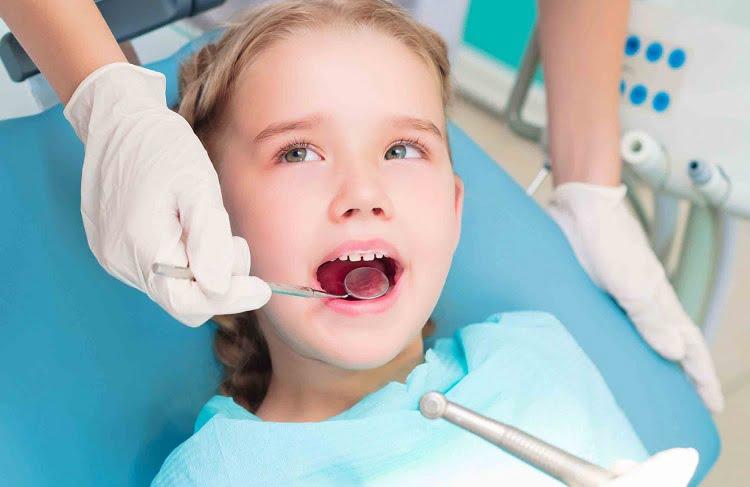 Giúp bé có hàm răng đẹp khi thay răng
