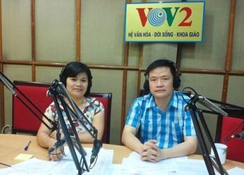 TS-BS Nguyễn Phú Hoà tại đài VOV2