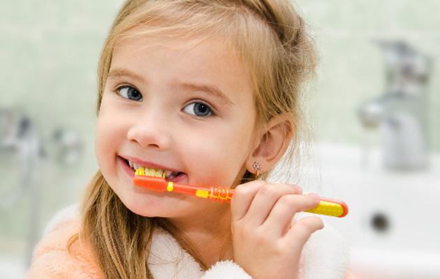 Chăm sóc răng miệng cho trẻ ngay từ khi còn nhỏ (1)