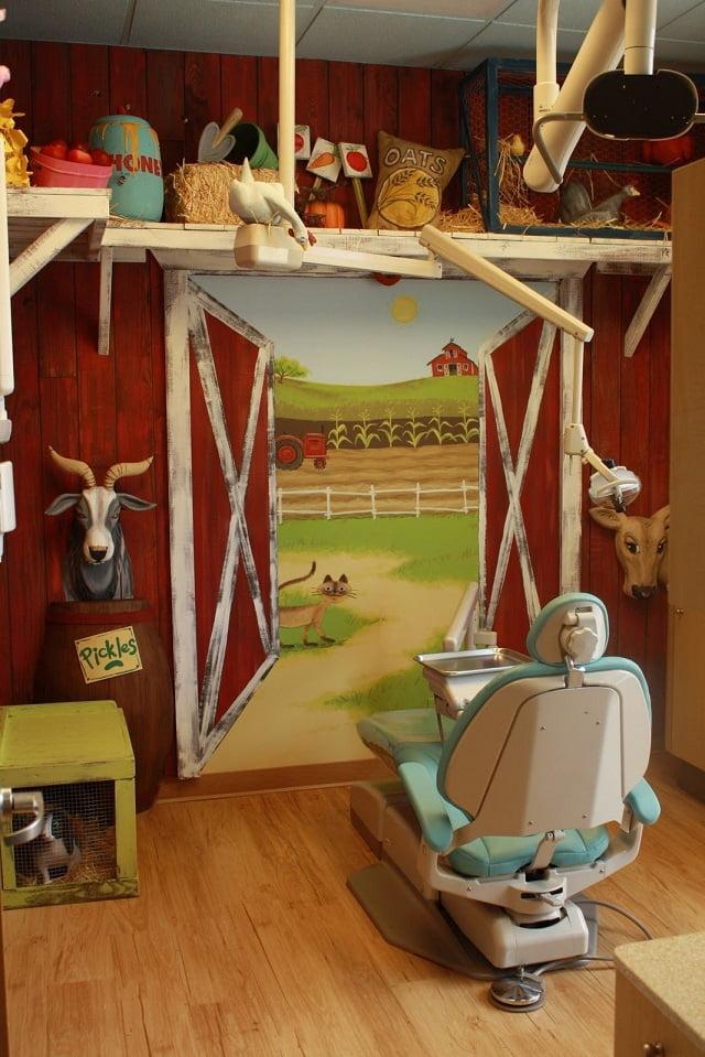 Không gian cho các bạn nhỏ - Thiết kế nội thất phòng khám nha khoa đẹp tuyệt vời - Ảnh 1