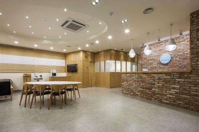 Our Family Dental Clinic - Thiết kế nội thất phòng khám nha khoa đẹp tuyệt vời - Ảnh 3