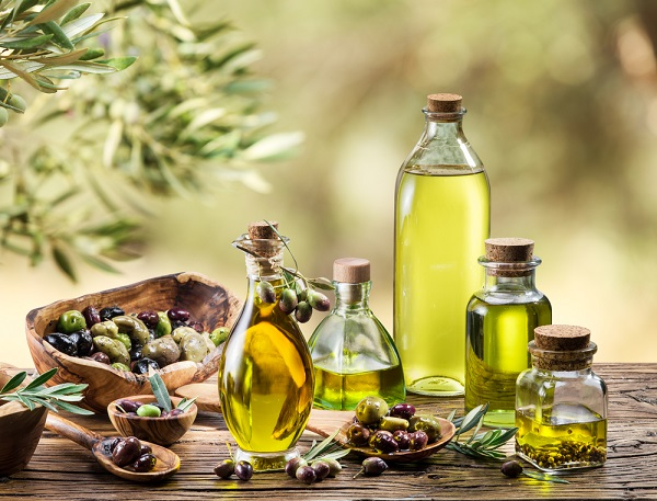 Làm kem dưỡng trắng da từ dầu oliu