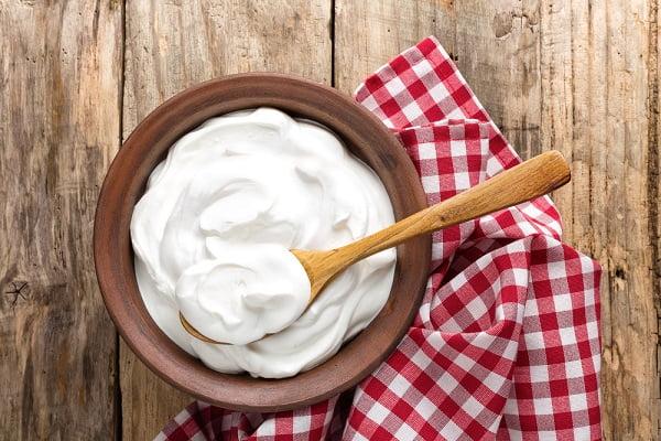 Kem dưỡng từ cám gạo và sữa chua
