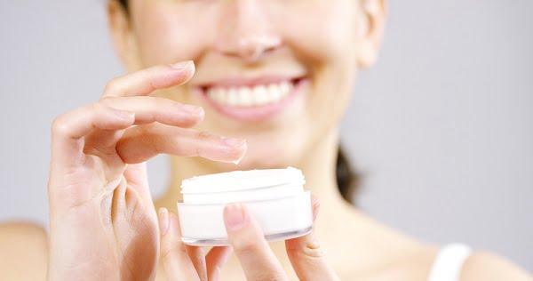 Chọn kem dưỡng da ban ngày và ban đêm