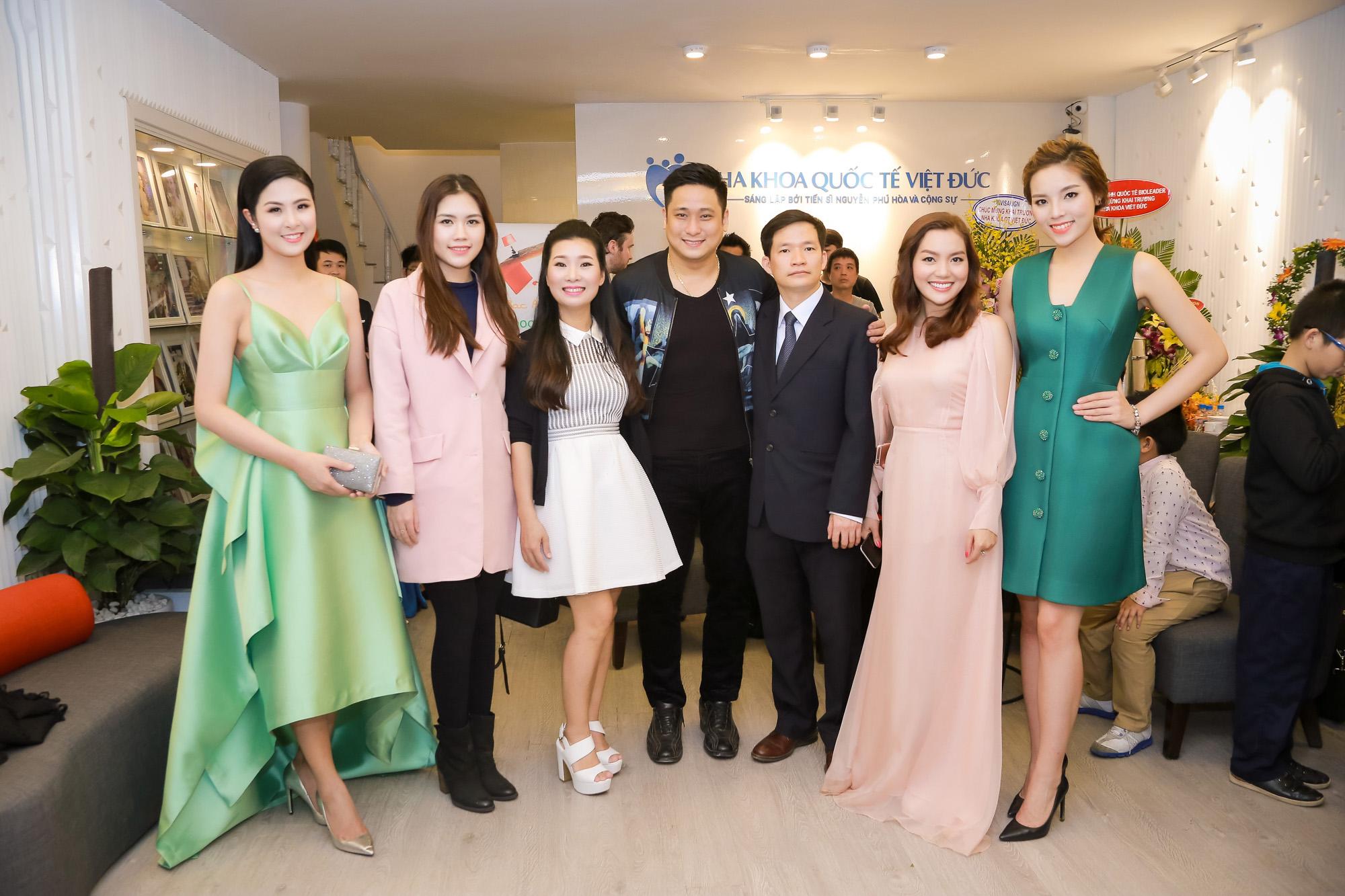 Dàn ngôi sao hội tụ tại Nha khoa Quốc Tế Việt Đức
