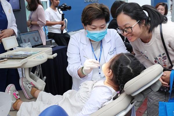 chữa răng sâu cho trẻ